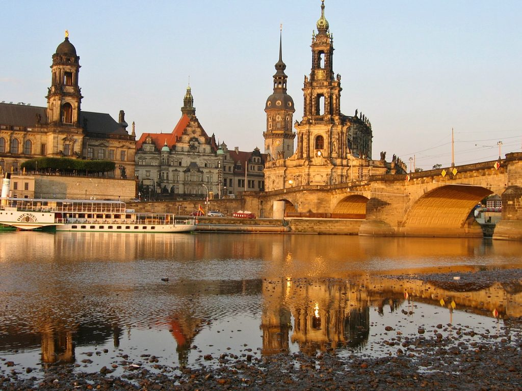 Dresden, an der Elbe, CC0 by Johannes