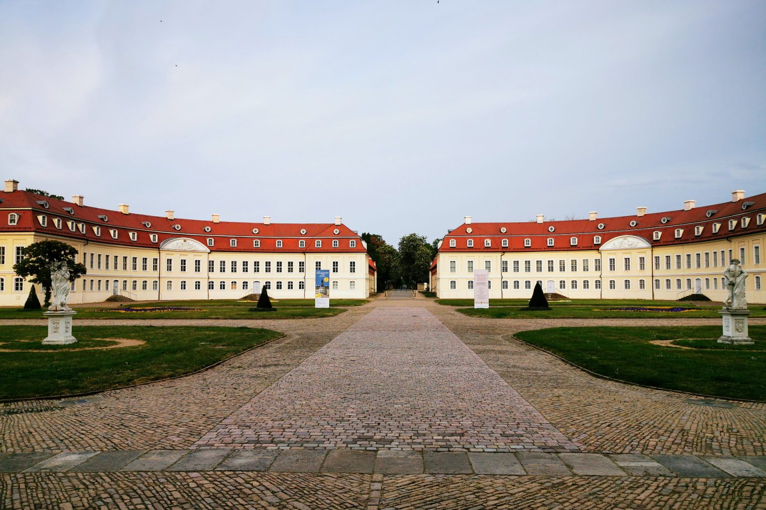 Hubertusburg, CC0 by André Beer auf Pixabay