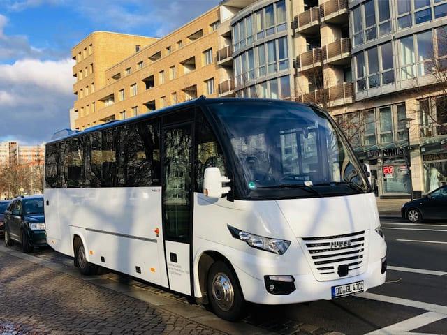 Bus Striesener Str, CC0 Hartmut
